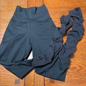 Bombshell sportswear black  shape leggings